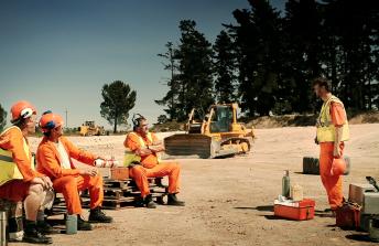 Pingviini / Construction Site