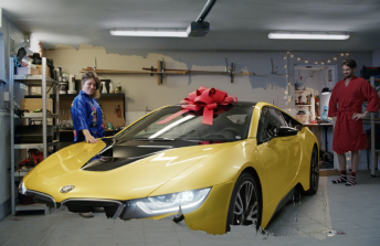 Triss / På andra sidan skrapet – Jul
